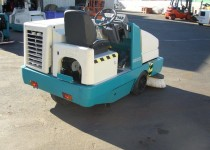 Tennant 6500 Industrial Rider Sweeper